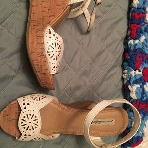 White Wedge Sandals American Eagle size 7